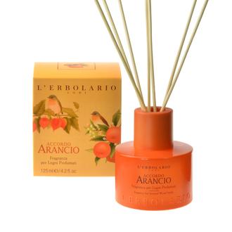 L'Erbolario Accordo Arancio Fragranza per Legni Profumati 125 ml - Αρωματικά στικ χώρου με Αρωματικές νότες από: Μανταρίνι Νεράντζι Δαμάσκηνο και Βανίλια
