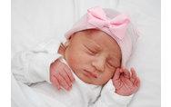 Homepage_articles_thumb_cute-newborn-baby-girl-in-hospitalher-first-bow-newborn-hospital-hat-newborn-by-infanteeniebeenie-dio0ndtc